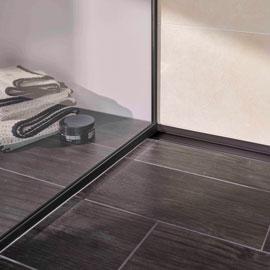 Vorteil von allen BLANKE AQUA PROFILEN: Die hochwerten Profile aus Edelstahl werden ohne Bohren direkt mit dem Fliesenbelag eingebaut .