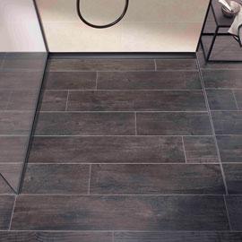 Mit den BLANKE AQUA-KEIL PROFILEN lässt sich der Übergang zwischen dem ebenen Boden und dem Gefälle im Duschbereich anspruchsvoll und sauber ausbilden.